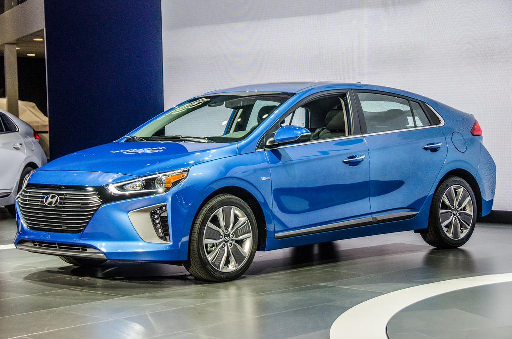 the top three hybrid cars of 2016